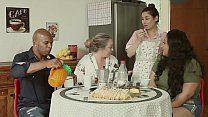 THE GREAT FAMILY OF BITCHING - THE HUSBAND IS CRUNK, THE MOTHER TALARICA THE DAUGHTER, AND THE SERVANT FUCKS EVERYONE | EMME WHITE, ALESSANDRA MAIA, AGATHA LUDOVINO, CAPOEIRA.