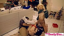 My Family Pies - Horny Sisters Get Brothers Cock For Xmas S1:E2 Vorschaubild