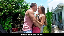 Image: Hot Teen Step Sister Ashlynn Taylor Wants Her First Time To Be With Her Step Brother