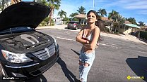 Roadside - Amateur Latina Teen Fucked By Roadside Assistance
