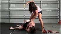 Barefisted Barefoot b. Beatdown - Fighter Mikaela Has No Mercy For This Guy