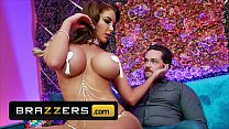Curvy (Nicolette Shea) Gives A Private Peep Show And A Sultry Lap Dance To (Kyle Mason) - Brazzers