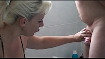 Girls shaving pussy preview image
