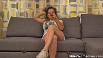 rub... and tv watching bored gets ameli milf Busty