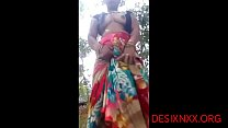 DESI BHABI SHOWING BOOBS AND PUSSY OUTDOOR - DESIXNXX.ORG