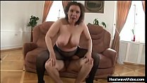 Mature mom with saggy tits gets satisfied by a y. lad