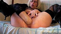 Grannies and milfs fisting their mature pussy pornhub video