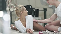 Cute teenie shows her guy how flexible she is w...