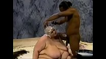 SSBBW HAS HE R HEAD SHAVED