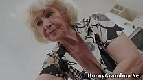 Mature grannys mouth cum's Thumb