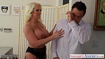 Chesty blonde wife Alura Jenson gives titjob Vorschaubild
