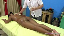 Massage therapist gets laid by female Thai client - 9Club.Top