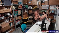 Teen Eden Sin tries dirty tricks on security guard to be set free