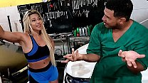 Hot brazilian blonde went to get the car in the workshop and the dirty mechanic tricked her to get a fuck