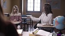Watch this lesbian professor Kendra James as she started a 3some with her student Mackenzie Moss and her mom in exchange for not expelling in school.'s Thumb