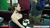 Busty girlfriend Courtney Cummz gives titjob
