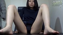 Horny MILF Spreads her Pussy thumbnail