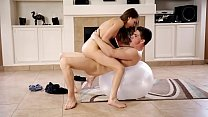 17888 Riley reid sexy fitness girl preview
