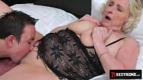 21 SEXTREME - Handsome Hunk Takes Plump GILF's Warmed-Up Pussy To Pleasuretown