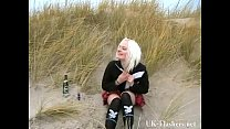 Squirting beach babe in blonde teen public nudi...