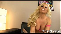 Lucky chap gets a lusty hand and blowjob from hot playgirl Vorschaubild