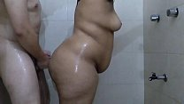 Big ass of 20 years having sex in the bathroom, they put the cock in her big buttocks in doggy position and she moans like a whore. صورة