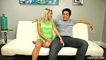Super Hot Teen Babe Knows How To Jerk