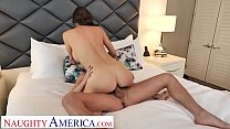 Naughty America Alexis Fawx tips bell boy with pussy Vorschaubild