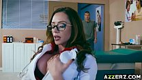 MILF Dr Ariella Ferrera bangs with a hot patient thumb