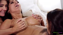 Hot milf and stepdaughters have lez threesome