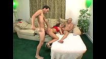 American pussy loves her dildo and her boyfrien...