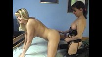 horny HOUSEWIFES amateurporn