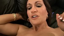 7951 PHOTOGRAPHER FUCKS SLUTTY BRUNETTE MOM DURING THE FILMING preview