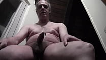 XVIDEOS EXCLUSIVE - Very premature ejaculation - Mature pig slightly shakes cock and cums moaning with pleasure