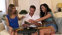 Free download video bokep Professor has a dirty threesome with two coed B...