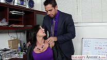 Screenshot Hottie brune tte Kendra Lust fucking in the office
