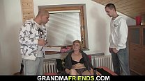 Small titted skinny old blonde lady threesome