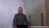 Angry grandpa gets chased and abused by horny student Vorschaubild