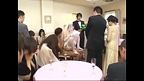 The bride serves the officials of the two families in the wedding ceremony | Full HD: bit.ly/2IaLu5A