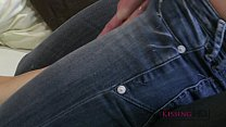 Kissing HD Passionate young girls in jeans humping and snogging each other Vorschaubild