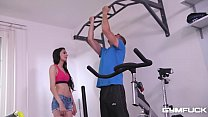 Gym fuck with college babe Ashely Ocean sucking an enormous dong in 69