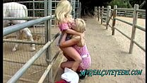 Country Lesb ians