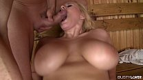 Busty bombshell Angel Wicky titty sucked and double penetrated in the sauna Vorschaubild