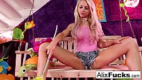 Surreal Swing solo with Alix Lynx in her daisy dukes