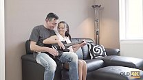 OLD4K. Teen and dad feel spark between them and need to realize it