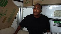 Black Movers move in on this Mom thumbnail