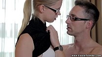 Casual Teen Sex - Pick up trick with cute coed ...
