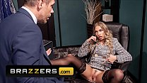 Hot Blonde Secretary (Khloe Kapri) Pounded Hard By Her Boss While At Work - Brazzers