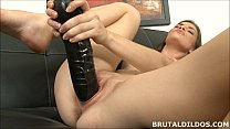 Amateur brunette Ennie moans and fucks a big bl...