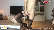 (Izzy Cat) Gets Her Pussy Licked Before Riding